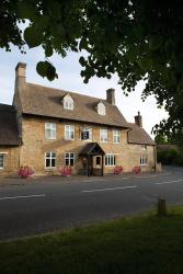Dashwood Restaurant Rooms and Bar, South Green, Heyford Rd, Kirtlington, OX5 3HJ, Kirtlington