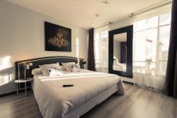 Hôtel Le Miredames, 3 Place Roger Salengro, 81100, Castres
