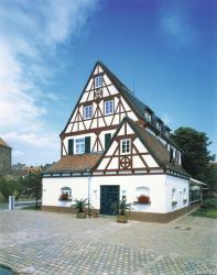 Landhotel Altes Wasserwerk, Burgstrasse 9, 67251, Freinsheim