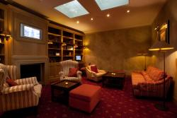 Hotel Imperial, Van Iseghemlaan 76, 8400, Ostend