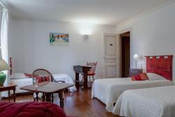 Chambres au château - Le Clos Des Tourelles, 4 De La République, 71240, Sennecey-le-Grand