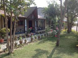 Chitwan Tiger Camp, Sauraha Sauraha 2, Chitwan National Park, 44200, Jhawāni