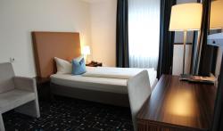 Hotel Königer, Erdinger Strasse 8, 85652, Pliening