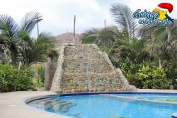 Gringo on the Beach, Calle principal 1 cuadra despues del estadio de Futbol, EC130851, San Lorenzo