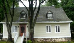 La Maison Ancestrale Guérard, 110 Chemin Royal, G0A 3S0, Sainte-Famille