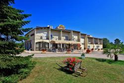 Hotel Restaurant Le Tropicana, Les Trois Frères, 24140, Douville