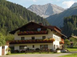 Pension Sennhof, Oberbach 41, 6653, Bach