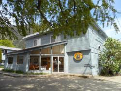 Valhalla Inn, 509 Slocan Avenue, V0G 1S0, New Denver