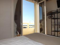Hôtel Le Carnon, 9 place Cassan, 34280, Carnon-Plage