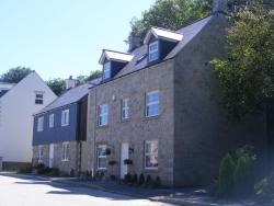 Dolphin Rock, 1 Bay View Road, Duporth, PL26 6BN, St Austell