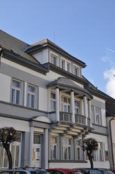 Apartmány Jiruškova vila, Mírové náměstí 273, 51721, Týniště nad Orlicí