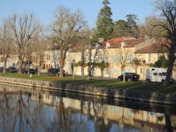 L'Etoile du Port, 14, Quai de Bernouet, 17400, Saint-Jean-d'Angély