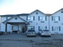 Crossfield Country Inn, 806 Laut Avenue, T0M 0S0, Crossfield