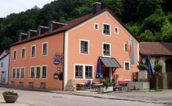 Gasthof zum Brunnen, Brunnenplatz 1, 91804, Mörnsheim