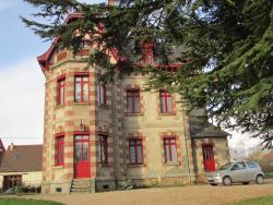 Chateau Lezat - Chambres d'Hotes et Table d'Hotes, 25 Lezat, 23300, La Souterraine