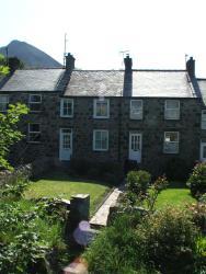 Pen Llyn Quarryman's Cottage, 18 Lime Street, Trefor, Caernarfon, Llyn Peninsula, Gwynedd, North Wales, LL54 5LR, Trevor
