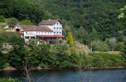Hôtel Belle Vue, Chez Saby - Plan d'eau, 63770, Les Ancizes-Comps