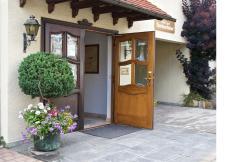 Hotel Reinhardtshof Garni, Reinhardtstr. 13, 72649, Wolfschlugen