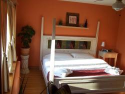 Artisan Upstairs Guesthouse, 318 Jeanne D'arc Avenue, P3B 2Z8, Sudbury