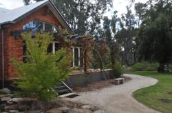 Captain's Cottage Bed & Breakfast, 42 Murray Street, 2731, Moama