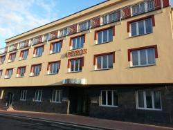 Hotel Apeyron, Kollárova 1278, 282 01, Český Brod