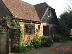 Beacon Lodge Bed and Breakfast, London Road, Watersfield, RH20 1NH, Pulborough