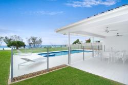 Sentosa on Tugun - Beachfront 5 Bedroom, 325 Golden Four Drive, Tugun, 4224, Goldküste