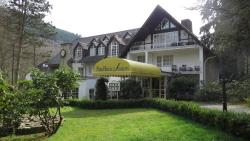 Park Hotel am Schloss, Im Nettetal 1, 56729, Ettringen