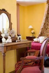 Hotel Le Viscos, 1, rue Lamarque, 65400, Saint-Savin
