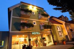 Hotel am Marktplatz - Landgasthof Wratschko, Marktplatz 9, 8462, Gamlitz