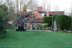 Whispering Cottages Bed and Breakfast, 3-4 whispering Cottages, Nuneham Courtenay,, OX44 9NX, Nuneham Courtenay