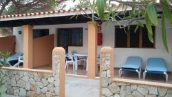 Apartamentos Consuelo y Alicia, Venda De Ses Clotades 4362, Platja Migjorn Km. 11, 07872, La Mola