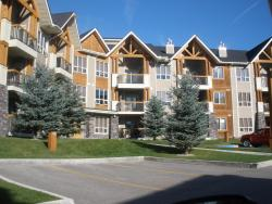 Piccadilly Vacation Rentals, 1107 - 7495 Columbia Avenue, V0A 1M0, Radium Hot Springs