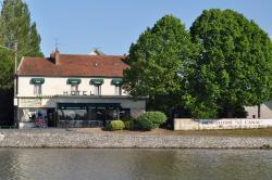 Auberge Du Pont Canal, 19 Rue du Pont Canal, 45250, Briare