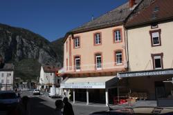 Hôtel Le Bellevue, 7 place Jean Jaures, 09400, Tarascon-sur-Ariège
