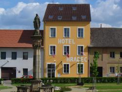 Hotel Hradec, Náměstí 54, 507 58, Mlázovice