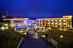 High Mountain Resort-Deqin, Fei Lai Temple  214 National Road, Deqen, 674500, Diqing