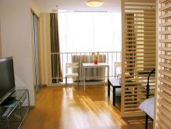 Nanjing Rongyu Service Apartment, No. 105-6, Nanjing Zhongshan North Road, 30th Floor, 3018 Central International Reception Center, 210009, Nanjing