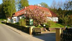 Hotelpension Schwalbennest, Fritz-Behn Straße 33-35, 17429, Benz