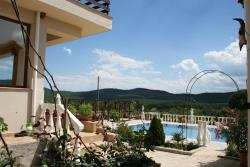 Rose Garden Guest House, 5 Papiya Str. (4 km from Tsarevo), 8260, Izgrev