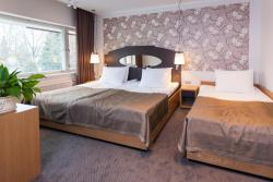 Nelja Kuninga Hotell, Pärnu 6, 72711, Paide