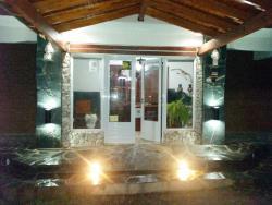 Hotel Foxes, Ruta Provincial 5 km 104, 5862, Villa del Dique