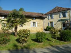 Logis Le Relais du Bastidou, A Cayron, 32160, Beaumarches