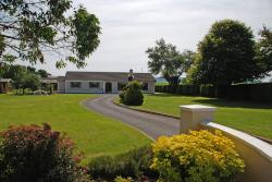Cradog Farmhouse B&B, Craddockstown, Woodsgift,, Urlingford
