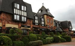 Village Hotel Wirral, Pool Lane, Bromborough Pool, CH62 4UE, Bromborough