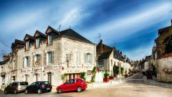 Hotel Le Relais Des Templiers, 68, Rue Du Pont., 45190, Beaugency