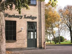 Factory Lodge, Fabriksvej 2, 4960, Holeby