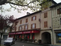 Hôtel Restaurant Le Plaisance, 17 place de l'europe , 15600, Maurs