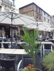 Hotel du Pot d'Etain, 18 Place de la République, 51000, Châlons-en-Champagne