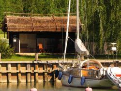 Peterzens Boathouse, Parattulan Rantatie 16, 23360, Laupunen